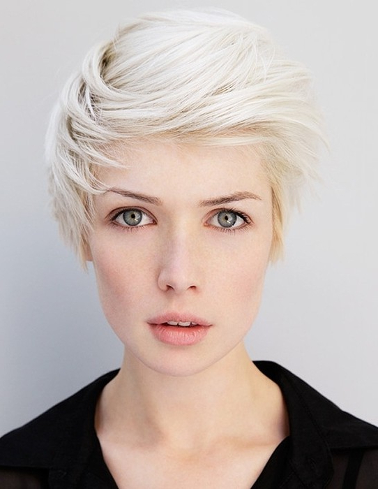 Short Hairstyles With Side Swept Bangs – Popular Haircuts In Short Haircuts With Side Part (View 14 of 25)