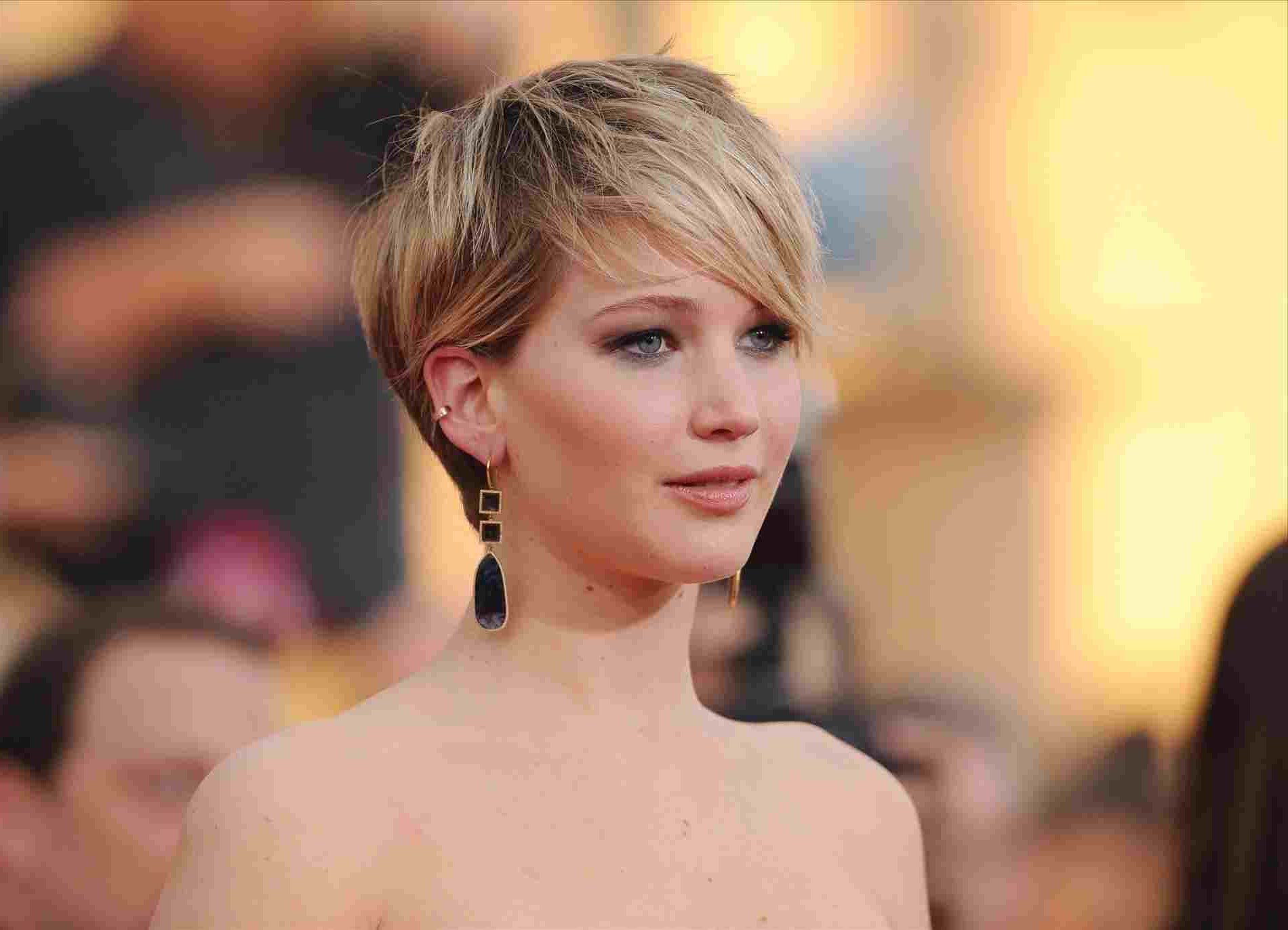 Short Low Maintenance Thick Hair Short Haircuts 2018 Pixie Haircuts Pertaining To Easy Maintenance Short Hairstyles (View 23 of 25)
