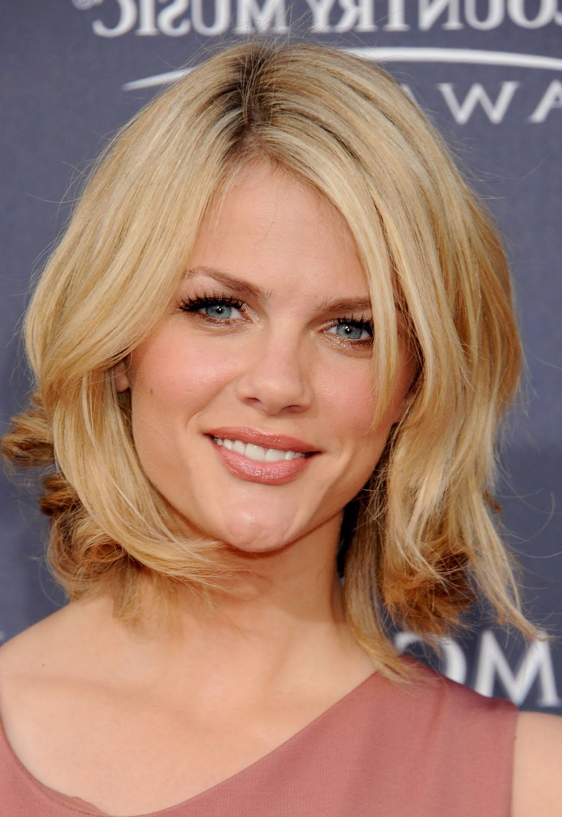 Short Mid Length Hairstyles – Hairstyle For Women & Man Within Short To Mid Length Hairstyles (View 14 of 25)