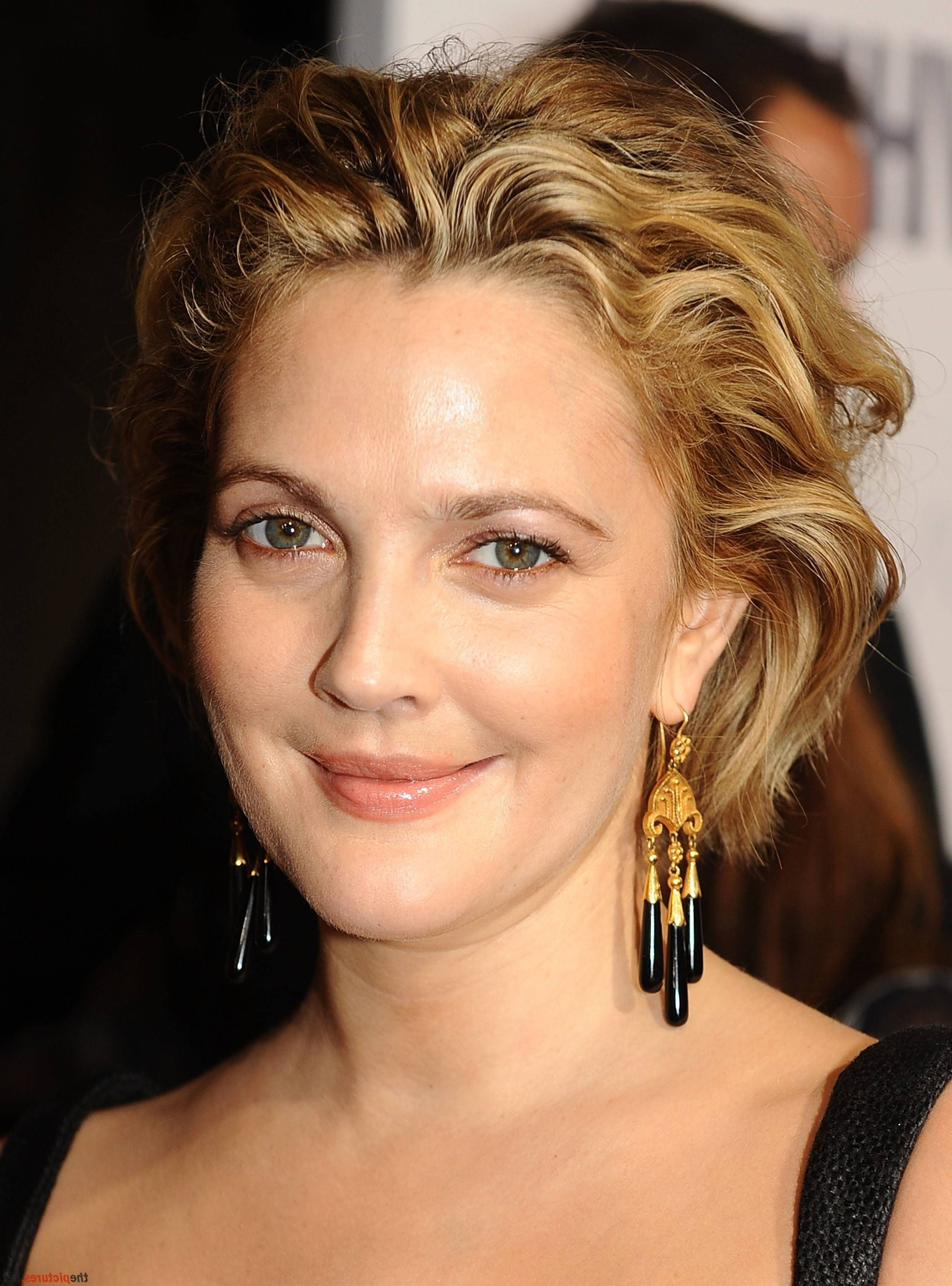 Short Prom Hairstyles: 24 Gorgeous Styles   Pinterest   Short Hair In Drew Barrymore Short Haircuts (View 24 of 25)