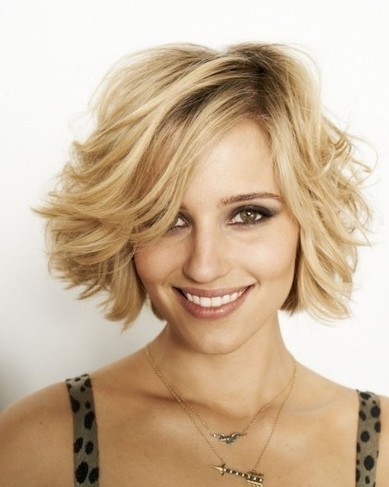 Side Swept Fringe: Disheveled Waves For Medium Hair – Popular Haircuts Pertaining To Disheveled Blonde Pixie Haircuts With Elongated Bangs (View 13 of 25)