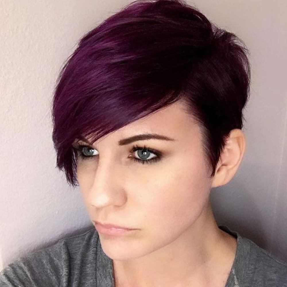 Side Swept Short Haircut For Long Face – Hairstyles Pertaining To Long Face Short Haircuts (View 10 of 25)