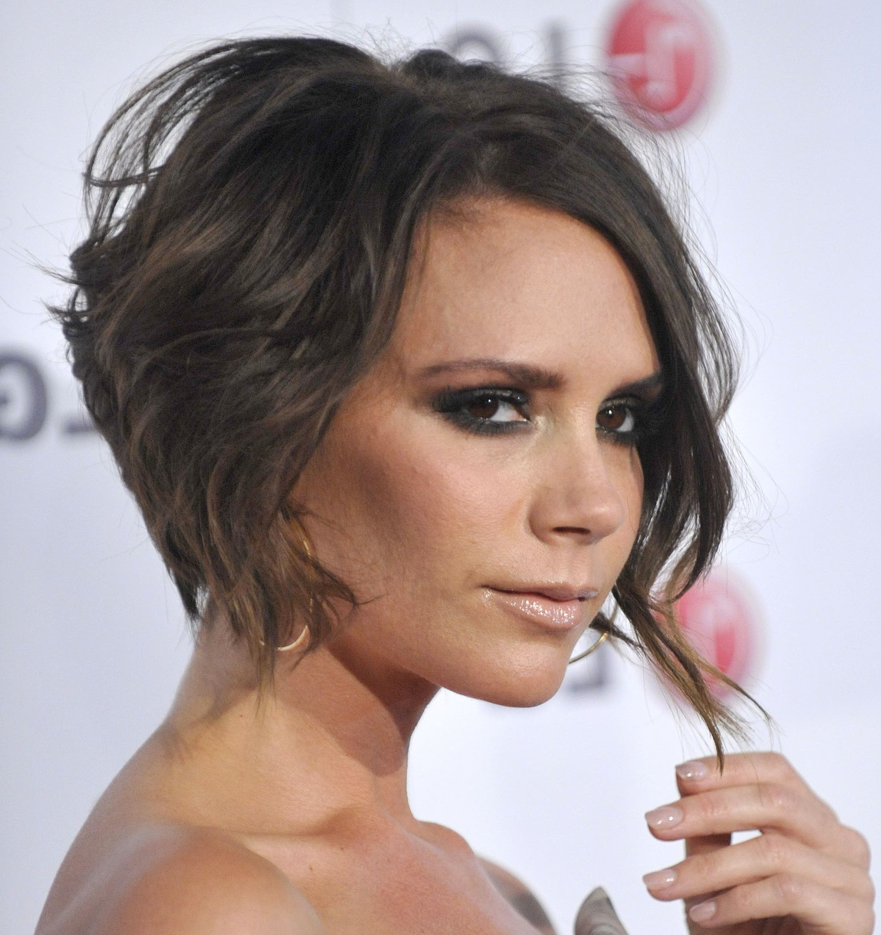 Slideshow: Celebrities With Short Hair In Victoria Beckham Short Hairstyles (View 13 of 25)