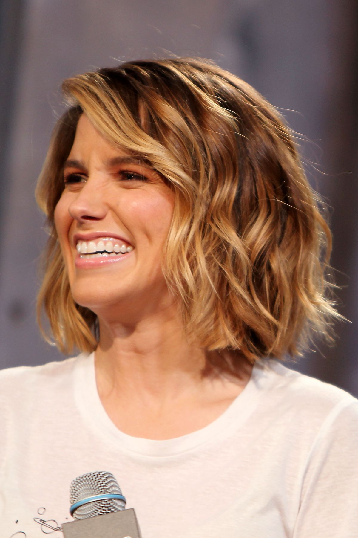 Sophia Bush At Aol Build Presetns Chicago P.d (View 23 of 25)