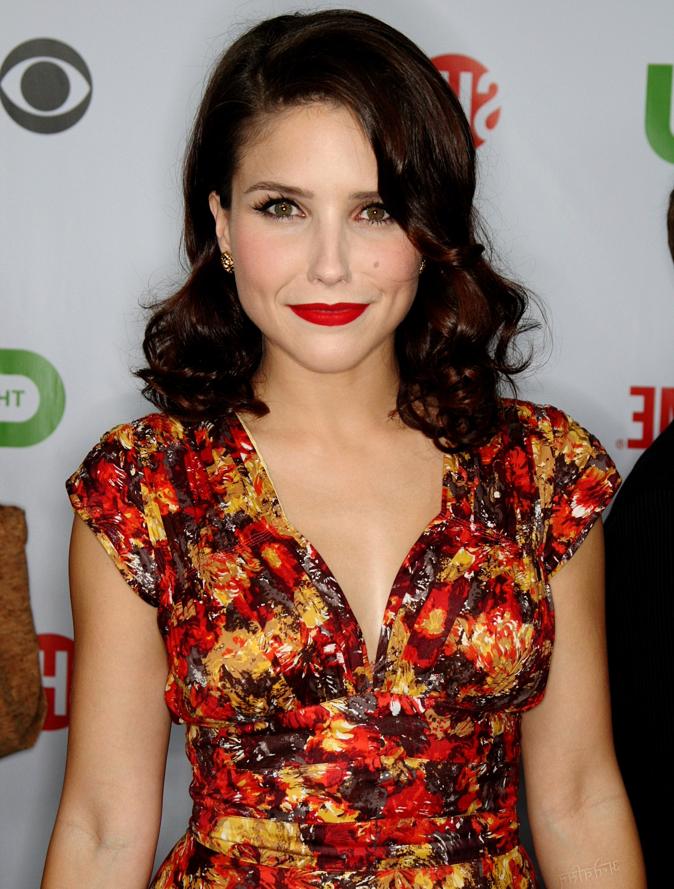 Sophia Bush Debuts Short Bob, & It Makes Her Feels Like Dancing — Photos In Sophia Bush Short Hairstyles (View 11 of 25)