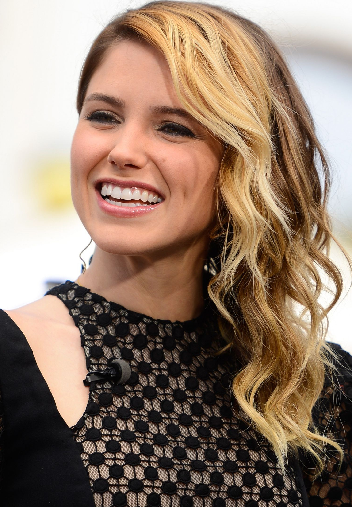 Sophia Bush Hairstyles | Hairstylo For Sophia Bush Short Hairstyles (View 15 of 25)