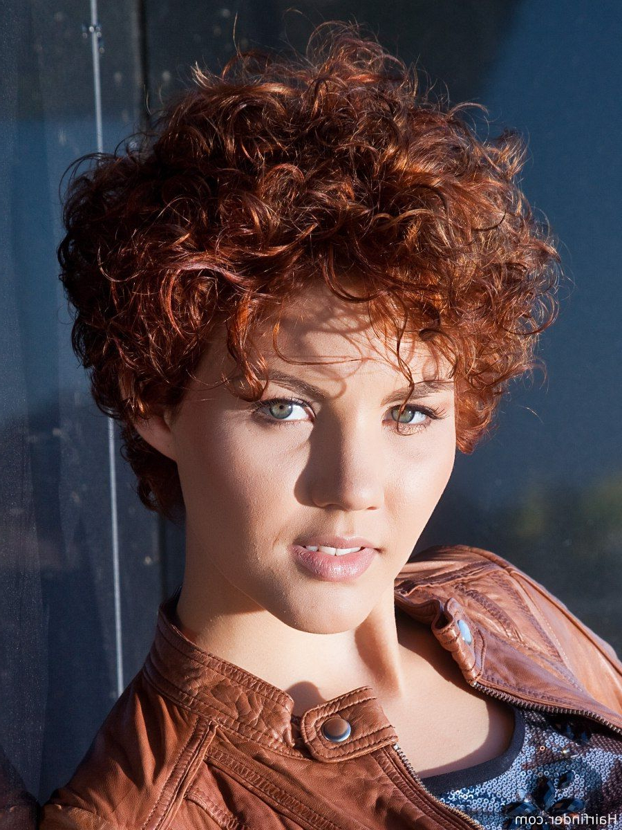 Sporty Short Haircut With Curls | Pelos | Pinterest | Short Haircuts Intended For Sporty Short Haircuts (View 24 of 25)