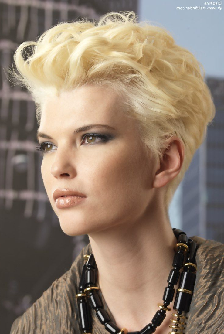 Sporty Short Haircut With Curls | Short & Sassy Hair | Pinterest With Sporty Short Haircuts (View 25 of 25)