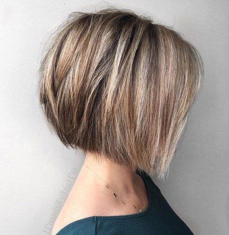Featured Photo of Straight Textured Angled Bronde Bob Hairstyles