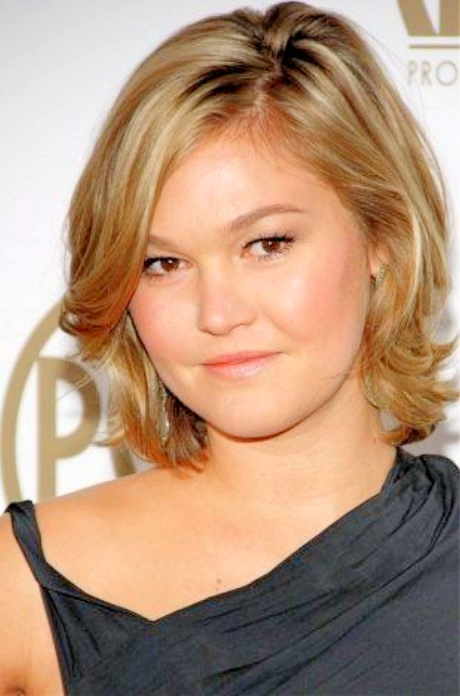 Ten Secrets About Hairstyles For Round Fat Faces That Has Never Been Within Medium Short Hairstyles Round Faces (View 21 of 25)