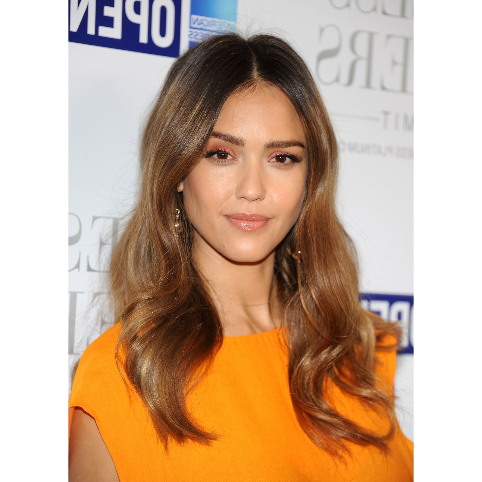 The 10 Most Flattering Haircuts For Oval Faces – Allure With Short Haircuts For Oval Faces (View 8 of 25)