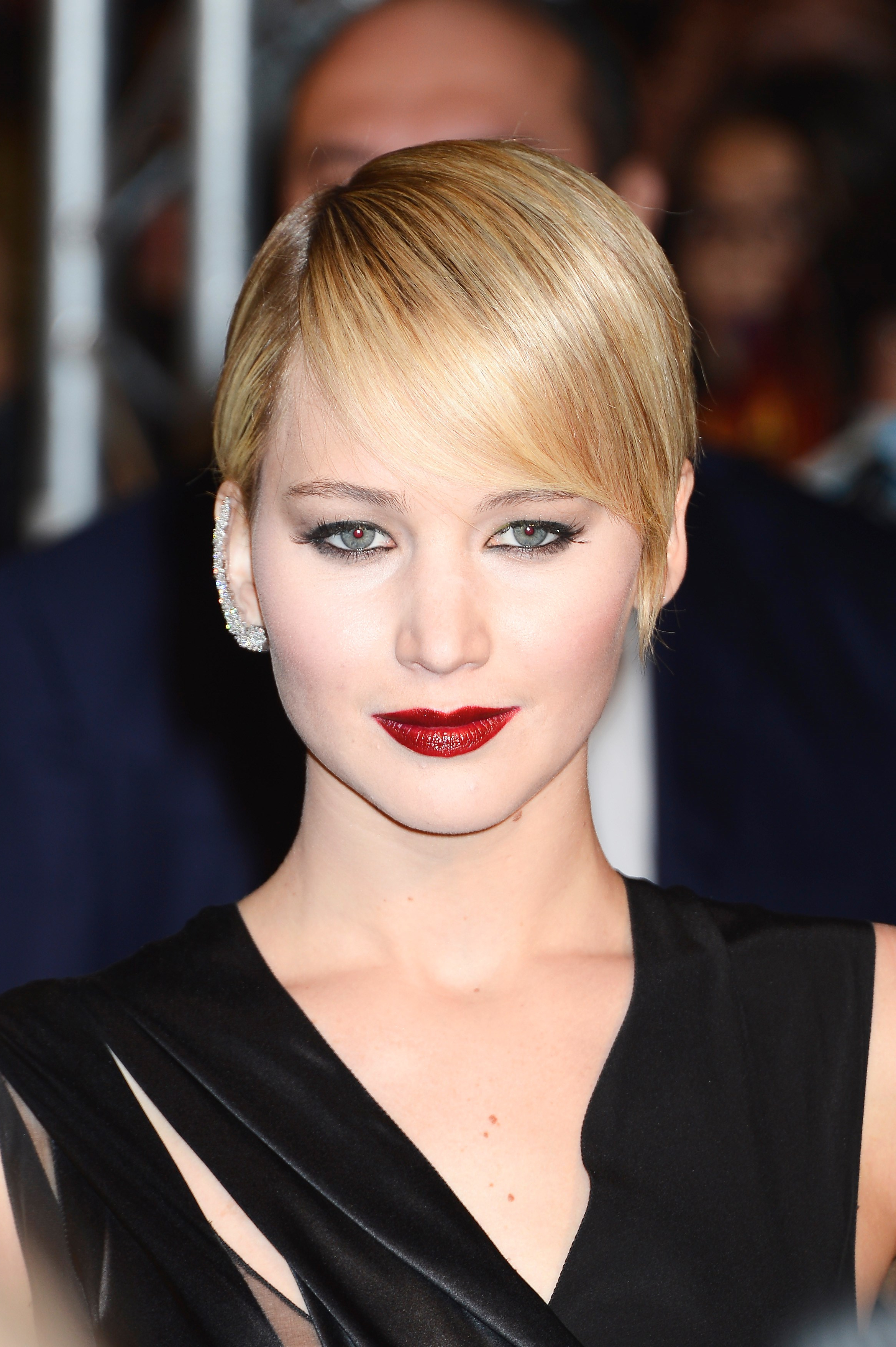 The 15 Best Ways Jennifer Lawrence Has Styled Her Pixie Hair   Slice (View 5 of 25)