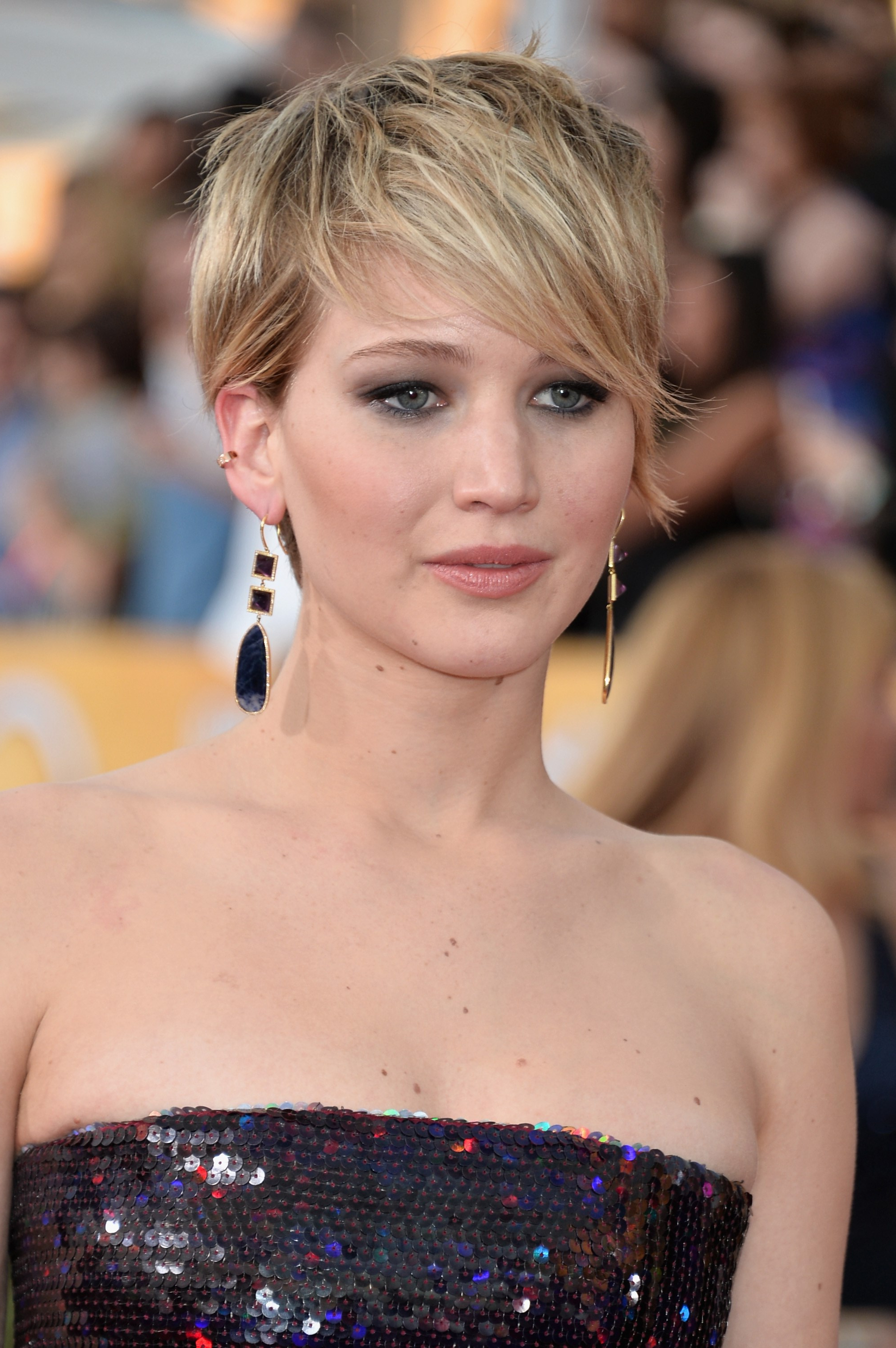The 15 Best Ways Jennifer Lawrence Has Styled Her Pixie Hair   Slice (View 2 of 25)