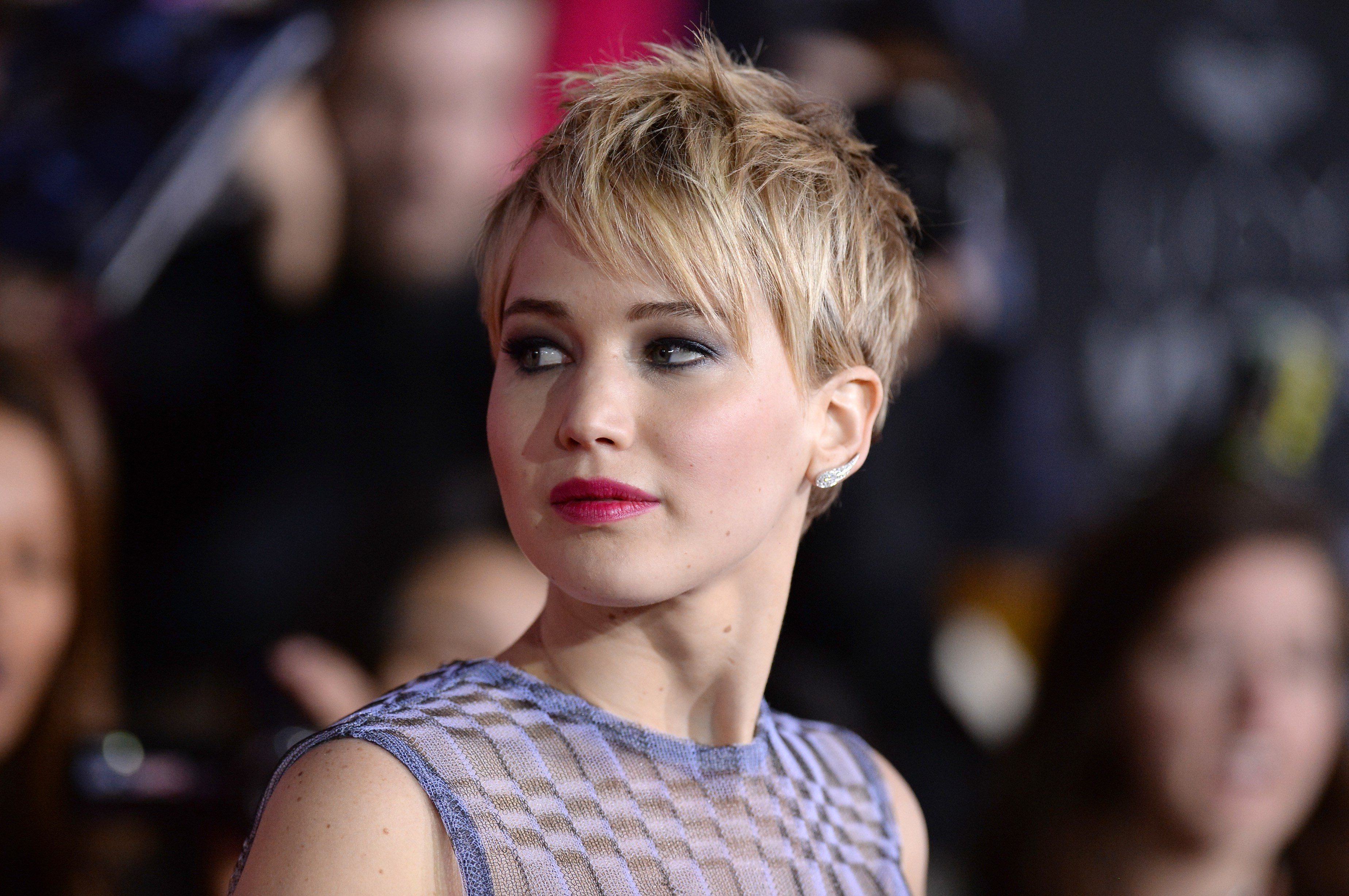 The 15 Best Ways Jennifer Lawrence Has Styled Her Pixie Hair | Slice (View 21 of 25)