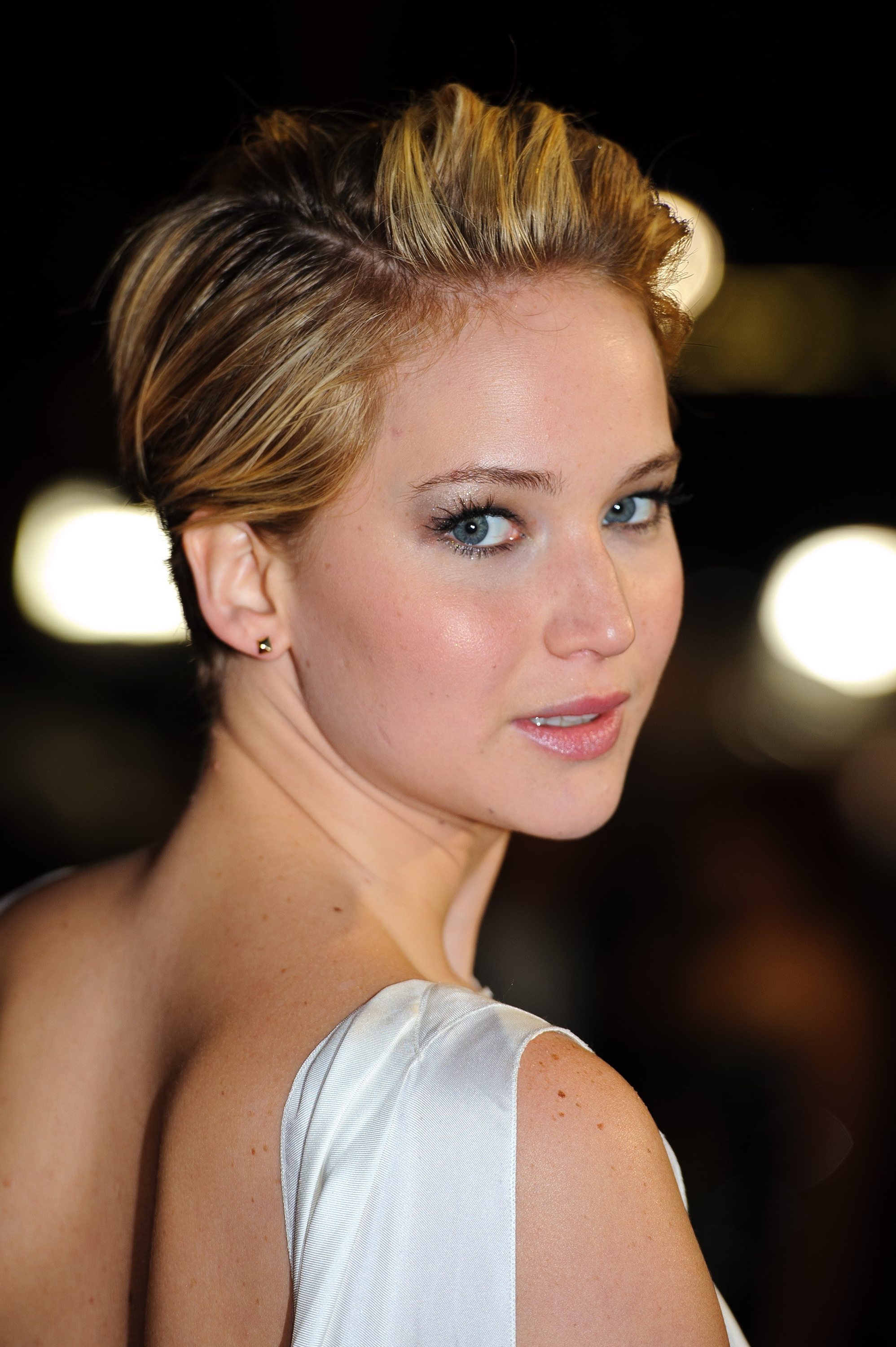 The 15 Best Ways Jennifer Lawrence Has Styled Her Pixie Hair | Slice (View 15 of 25)