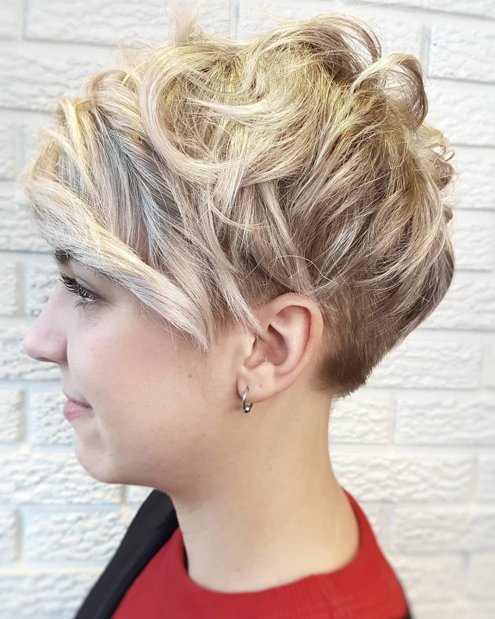 The 41 Perfect Short Hairstyles For Long Faces Intended For Short Haircuts For Long Faces (View 13 of 25)