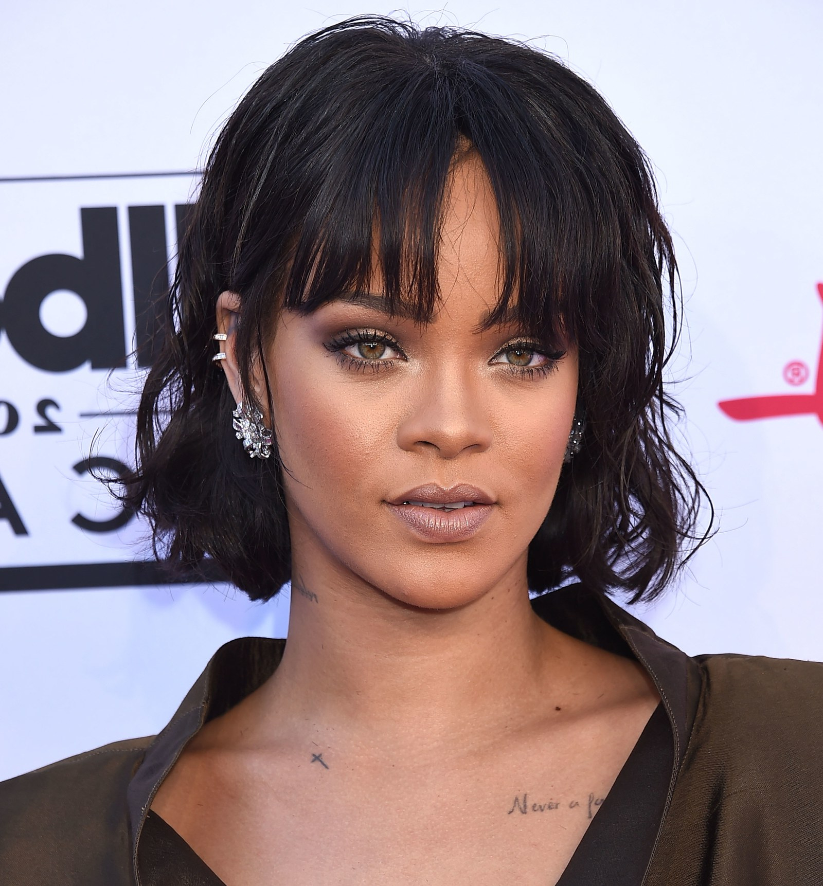 The Best Bangs For Your Face Shape – Glamour With Short Haircuts For Small Foreheads (View 14 of 25)