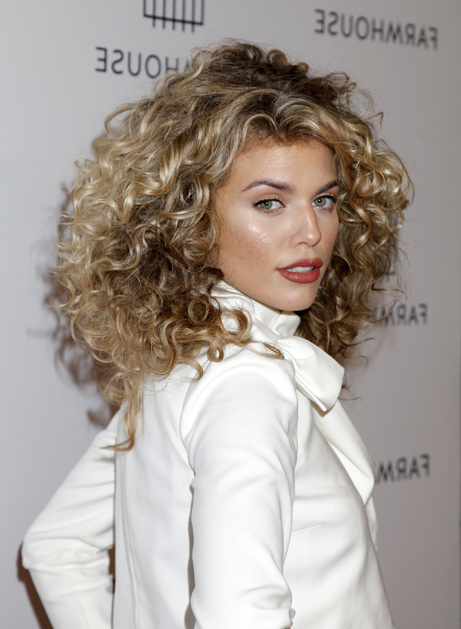 The Best Curly Hair Highlights To Try Now | Real Simple With Regard To Brown Curly Hairstyles With Highlights (View 20 of 25)