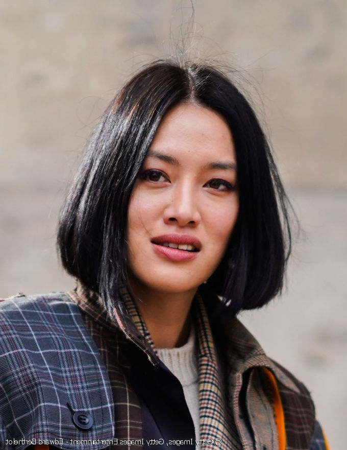 The Chin Length, Medium Bob Haircut Is This Season's Classic Regarding Dark Blonde Rounded Jaw Length Bob Haircuts (View 25 of 25)