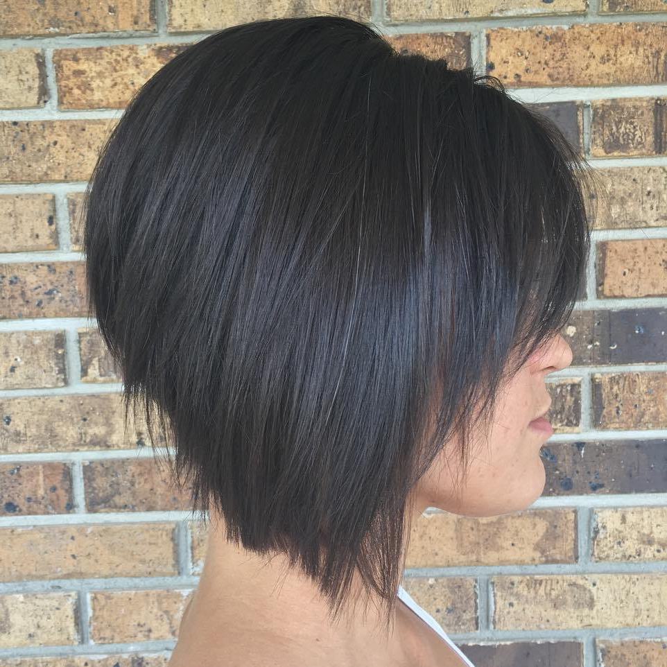 The Full Stack: 50 Hottest Stacked Bob Haircuts Intended For Jaw Length Inverted Curly Brunette Bob Hairstyles (View 13 of 25)