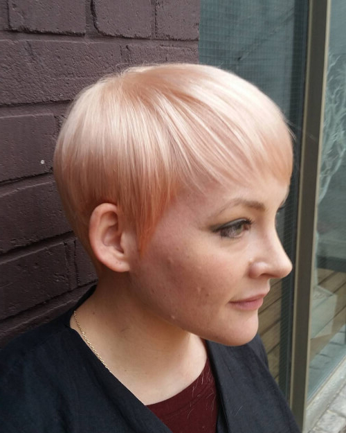 The Short Pixie Cut – 39 Great Haircuts You'll See For 2018 Inside Sleek Metallic White Pixie Bob Haircuts (View 7 of 25)