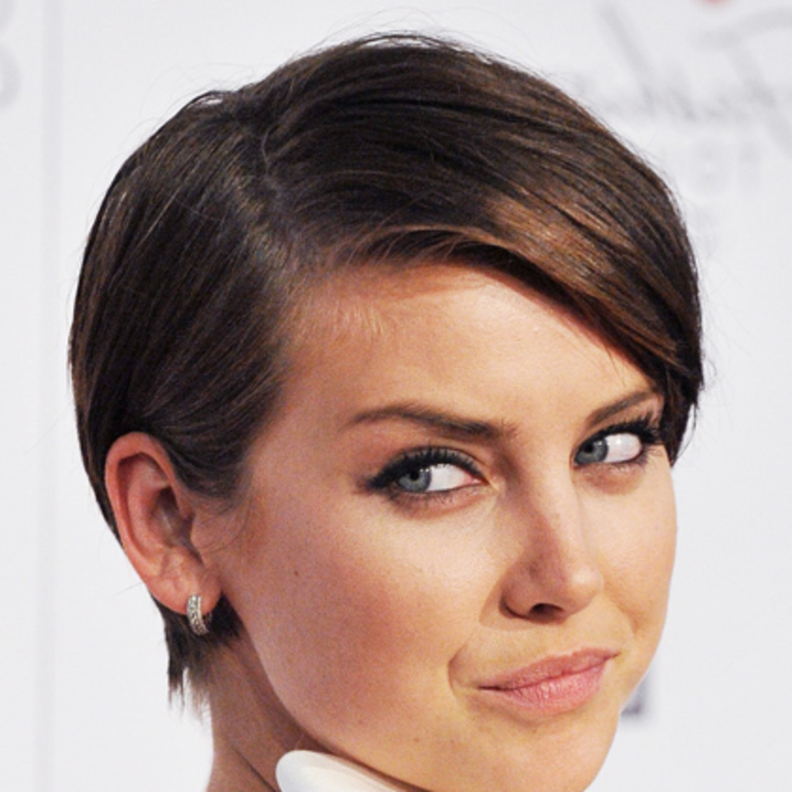 The Top 8 Haircuts For Heart Shaped Faces – Allure Throughout Short Hairstyles For Pointy Chins (View 25 of 25)
