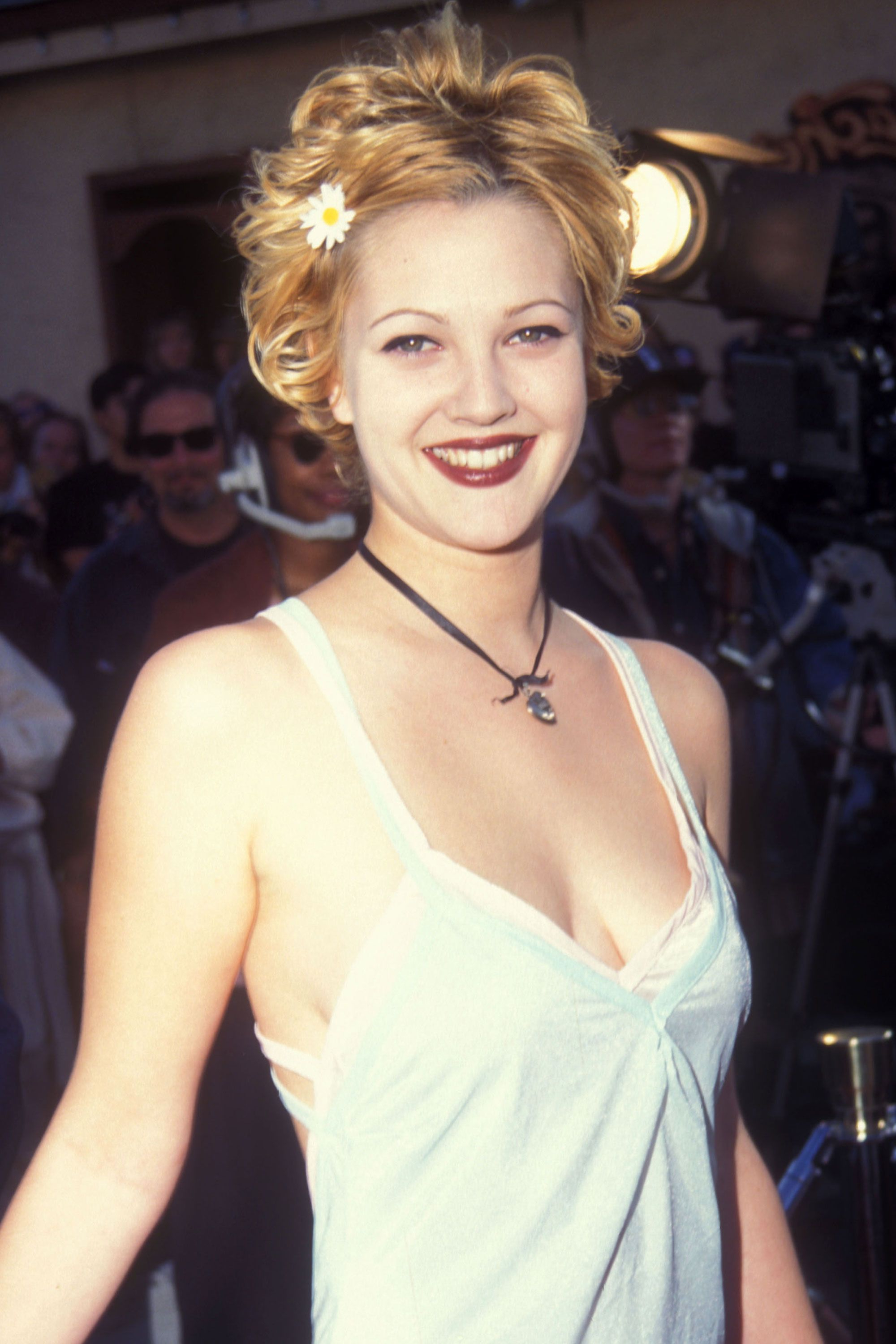 The Top Pixie Haircuts Of All Time | Hairstyle Throwbacks For Drew Barrymore Short Haircuts (View 12 of 25)