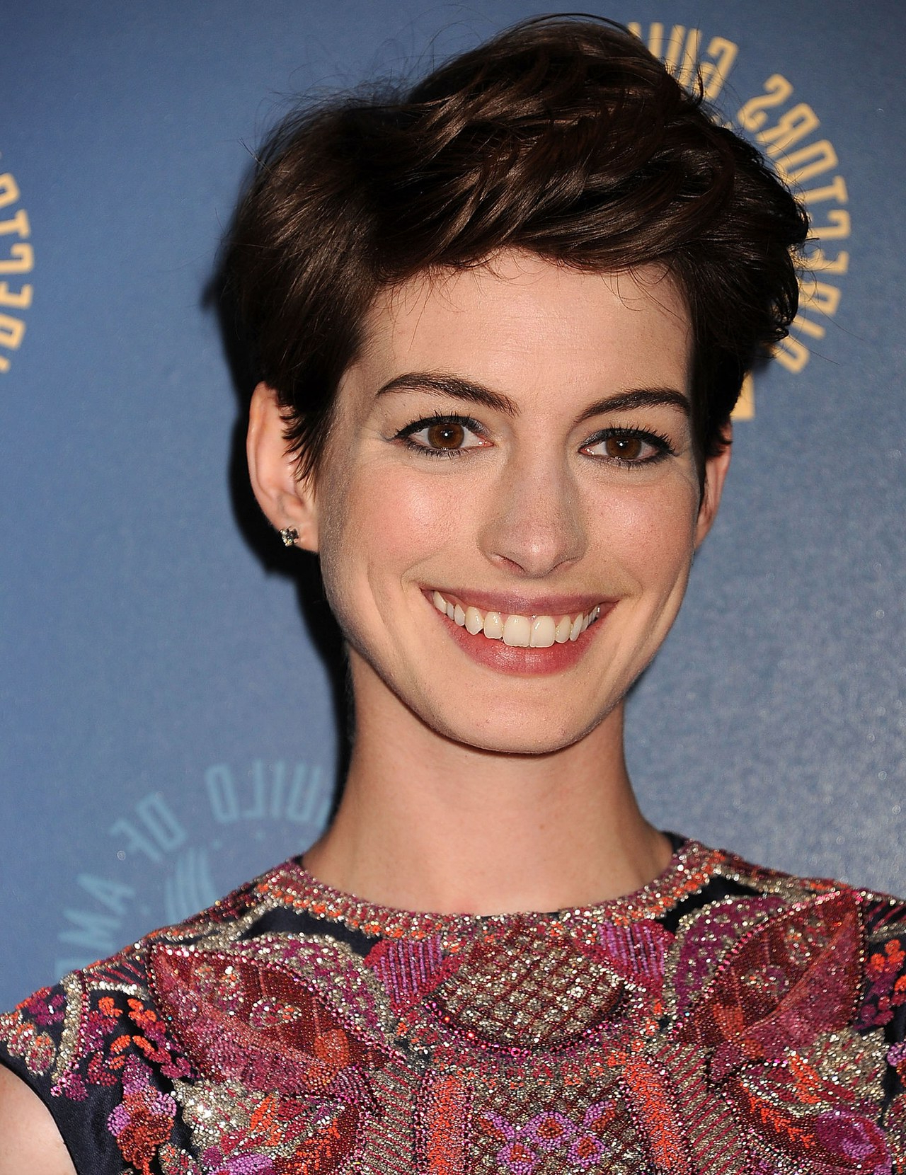 This Is My Favorite Way Anne Hathaway Has Styled Her Short Haircut Intended For Anne Hathaway Short Haircuts (View 25 of 25)