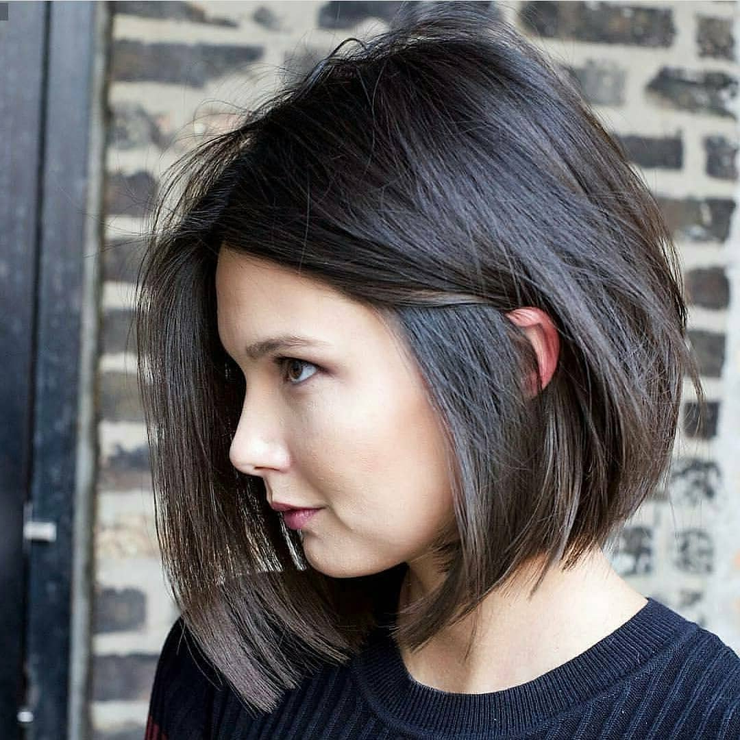 Top 10 Low Maintenance Short Bob Cuts For Thick Hair, Short With Low Maintenance Short Haircuts For Thick Hair (View 17 of 25)