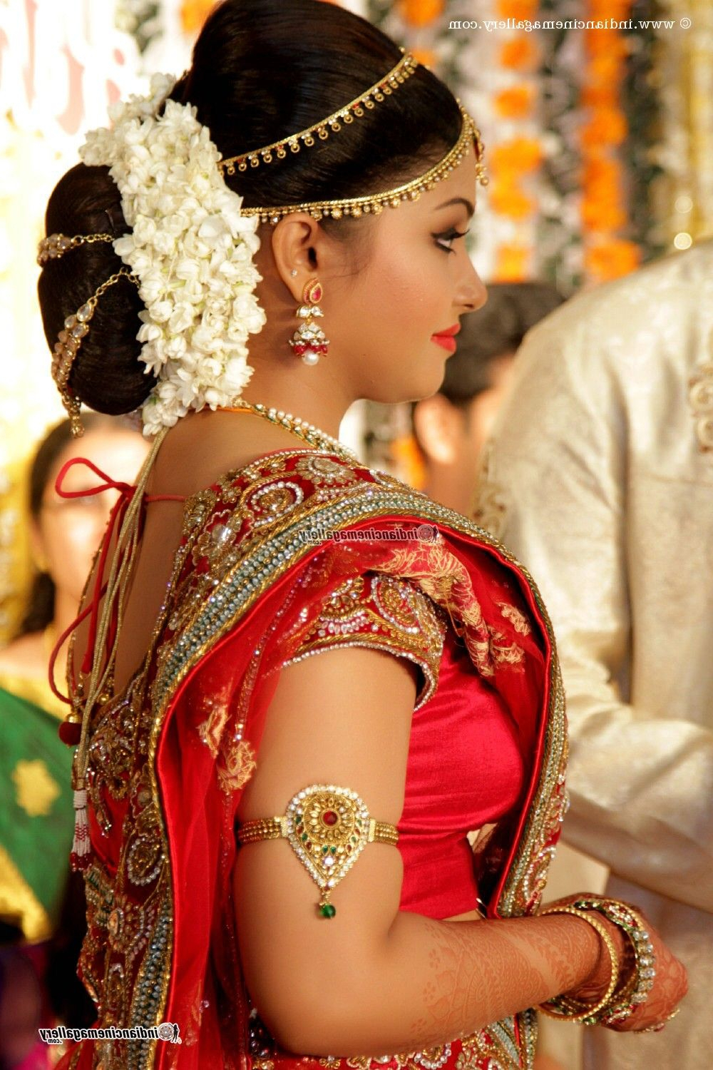 Traditional Southern Indian Bride Wearing Bridal Silk Saree Pertaining To Short Hairstyles For Indian Wedding (View 17 of 25)