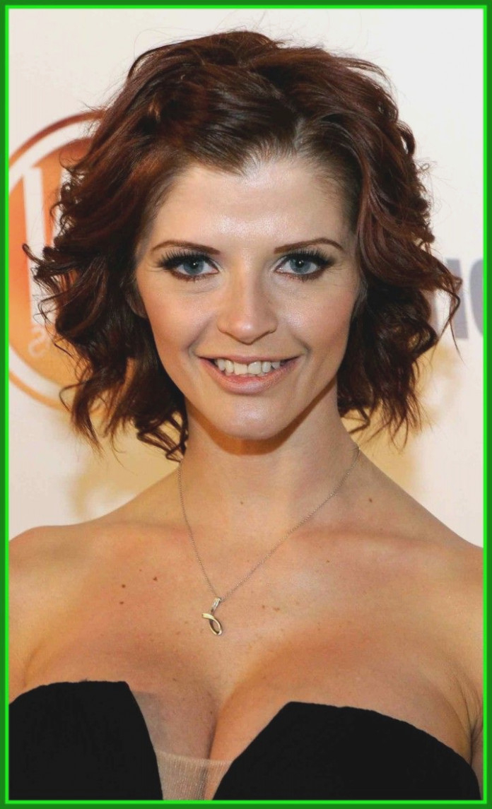 Unbelievable Short Haircuts For With Wavy Hair Hairstyles Thick Throughout Short Cuts For Wavy Hair (View 24 of 25)
