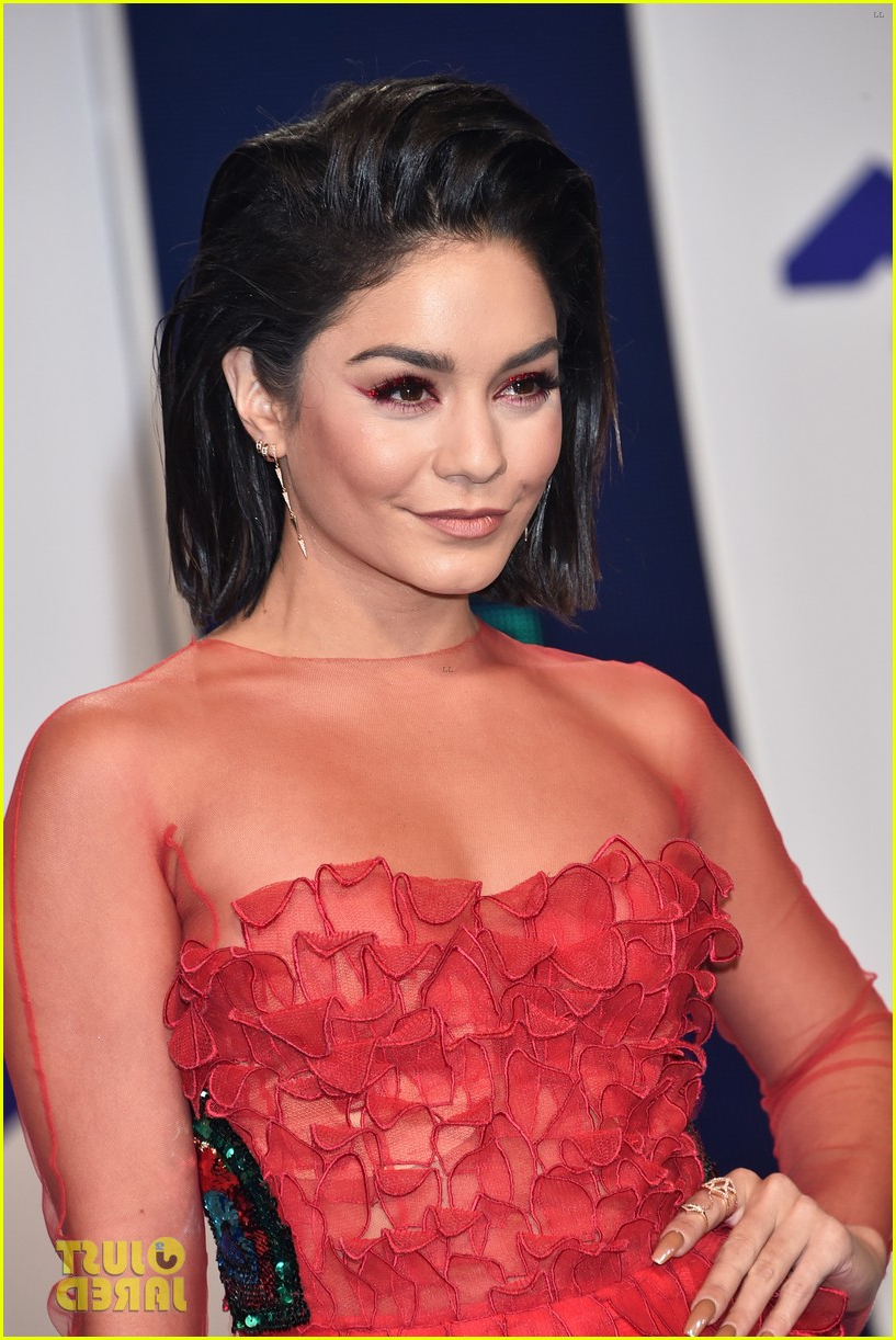 Vanessa Hudgens Is Red Hot With Short Hair At Mtv Vmas 2017: Photo Within Vanessa Hudgens Short Haircuts (View 16 of 25)