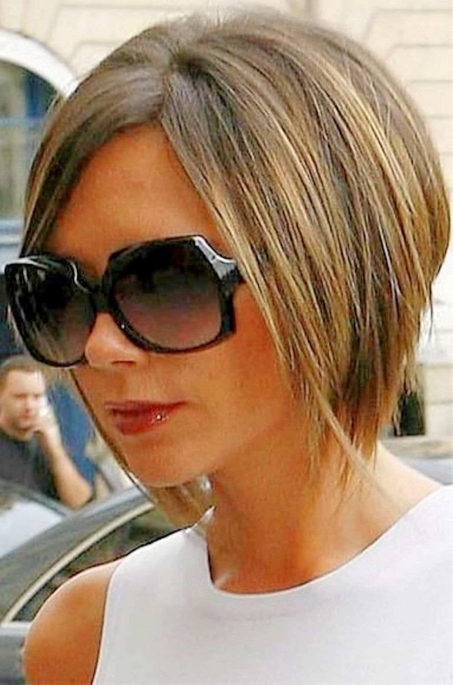 Victoria Beckham Hairstyles Side View | Beckham Bob Haircut Victoria Pertaining To Posh Spice Short Hairstyles (View 21 of 25)