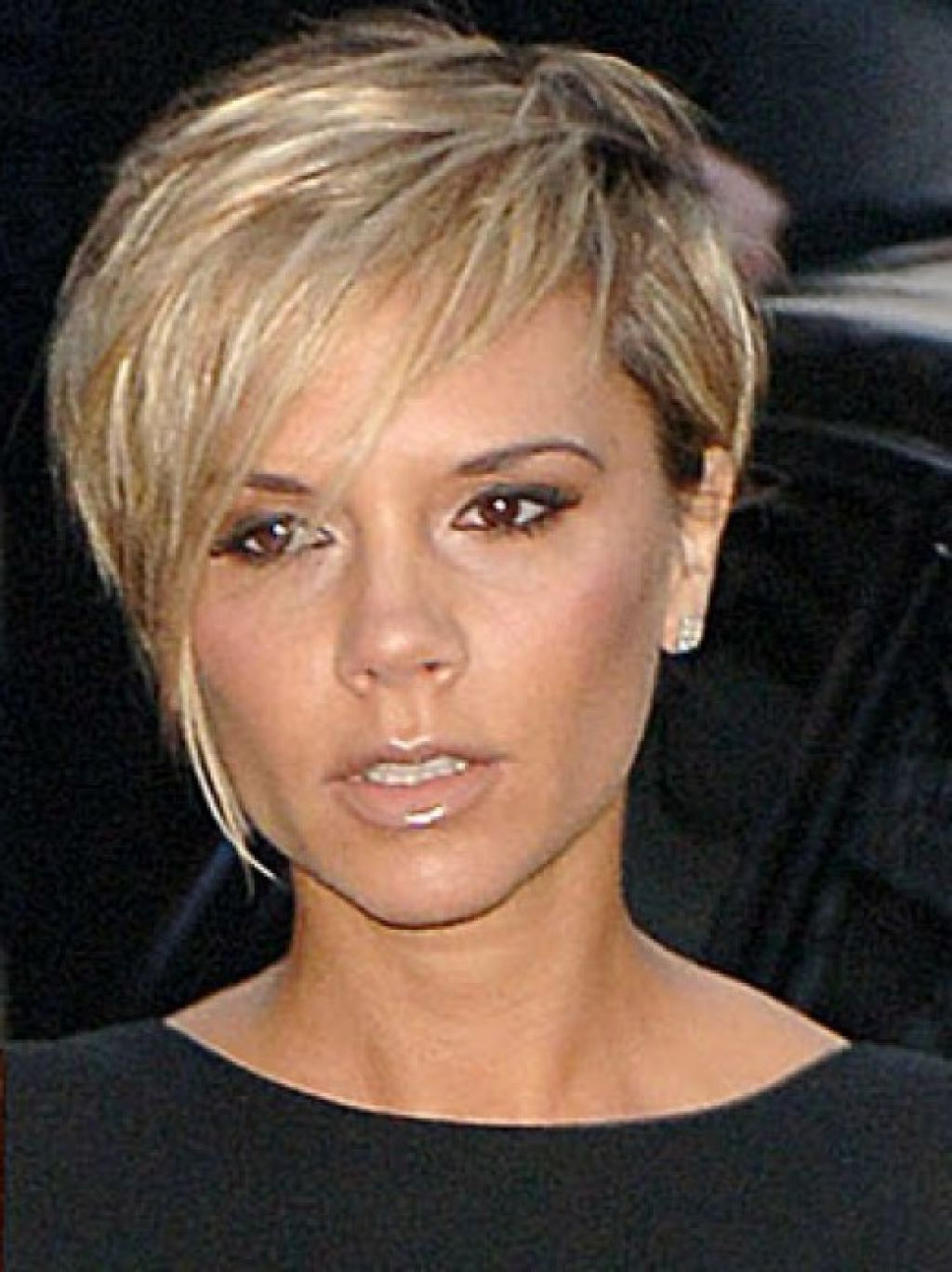 Victoria Beckham Pixie Cut Blonde – Google Search | Diy Hair Care In Inside Victoria Beckham Short Haircuts (View 17 of 25)