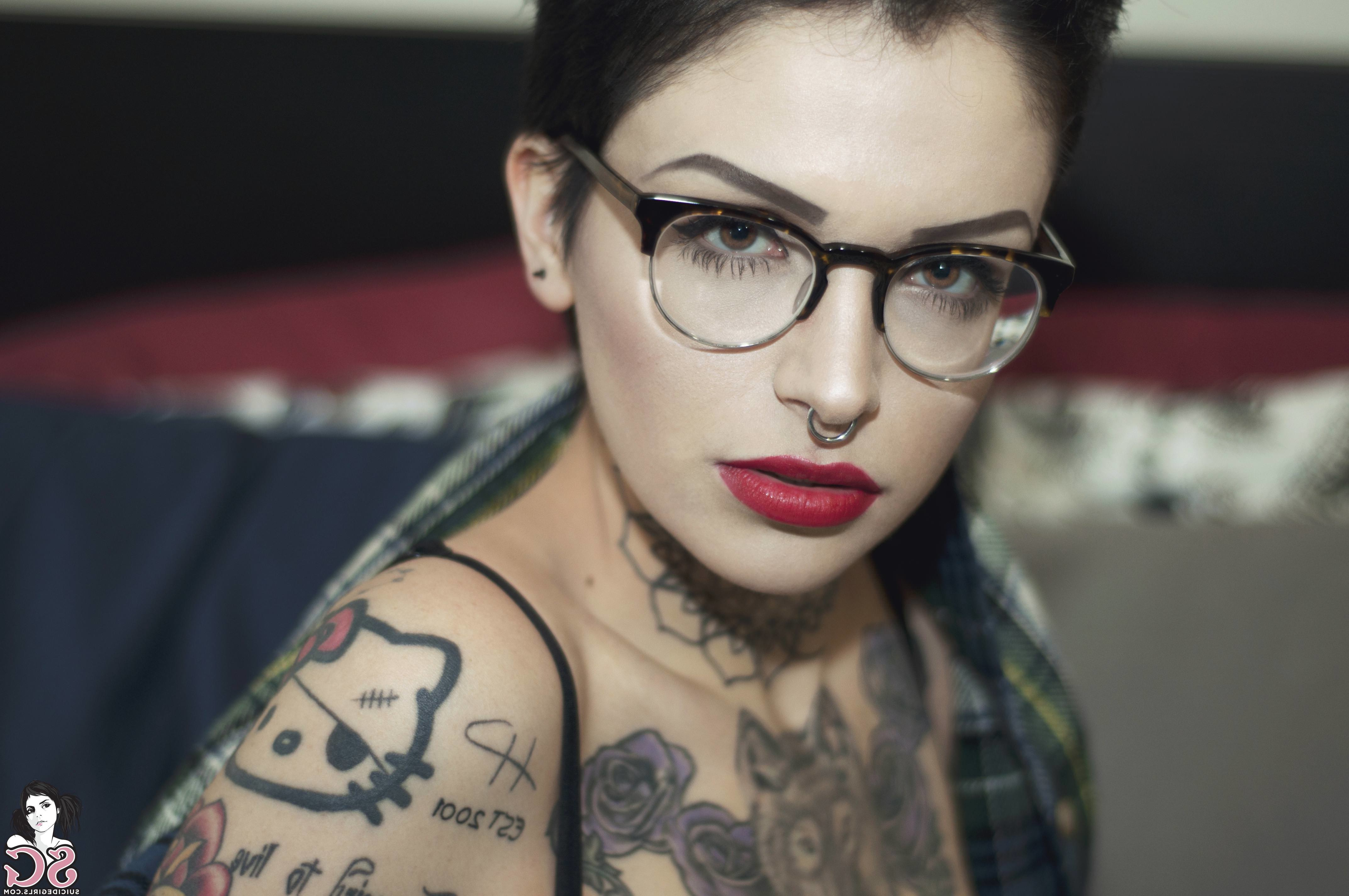 Wallpaper : Suicide Girls, Face, Looking At Viewer, Black Hair Throughout Short Hairstyles For Ladies With Glasses (View 20 of 25)