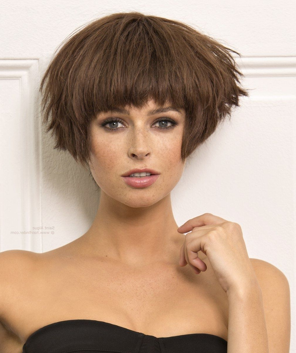 Featured Photo of Short Hairstyles With Feathered Sides
