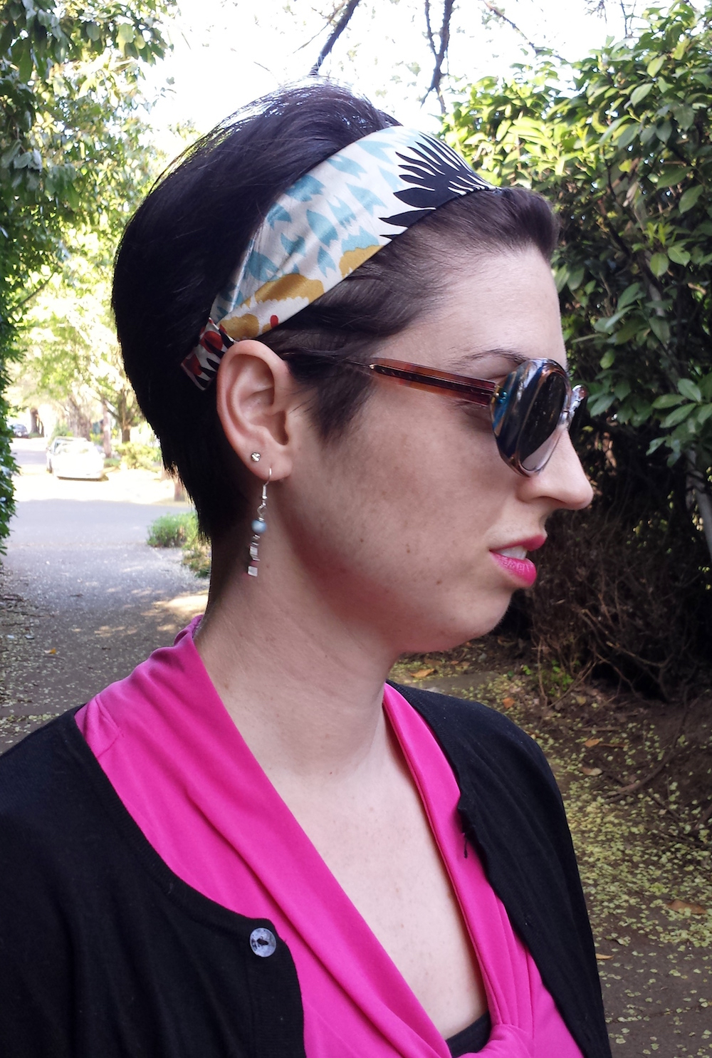 Wide Silk Headband With Short Hair | Pink + Black + Denim Trousers Pertaining To Short Hairstyles With Headbands (View 15 of 25)
