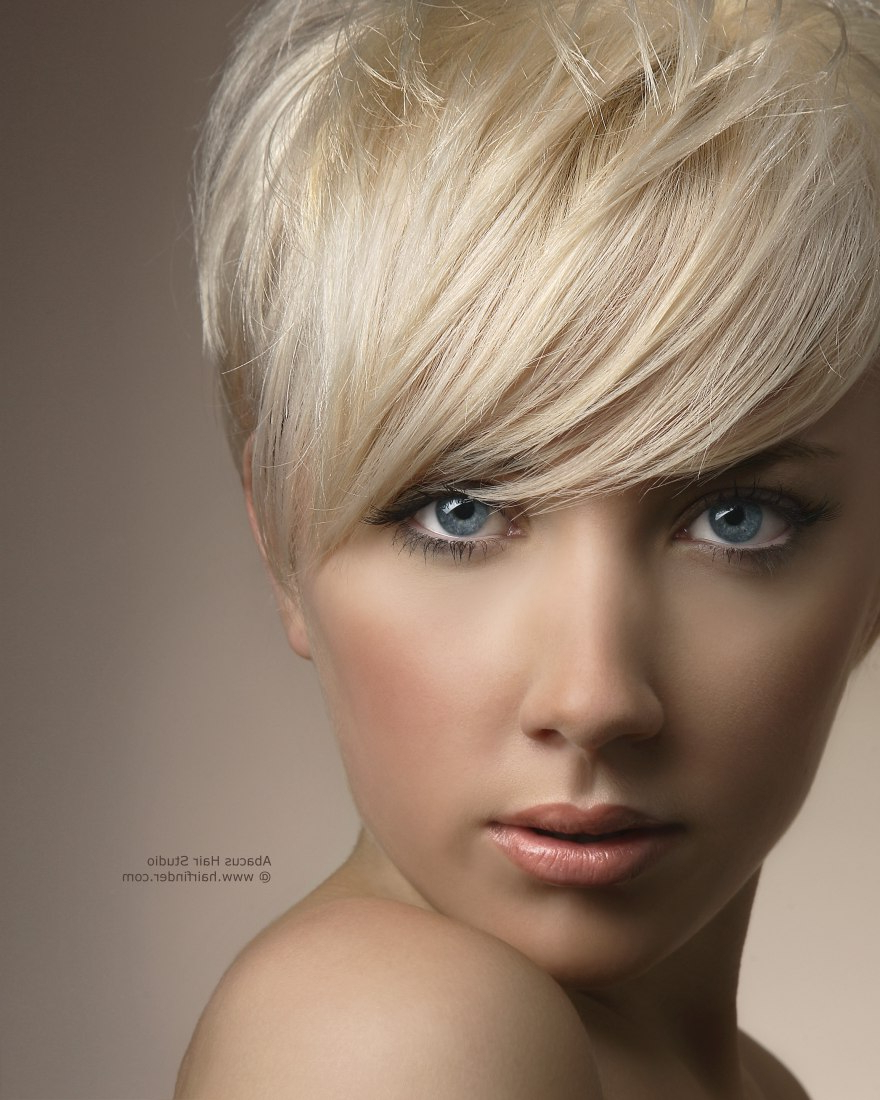 Women Hairstyle : Platinum Blonde Short With Highlightsstyles Medium Within Platinum Blonde Short Hairstyles (View 13 of 25)