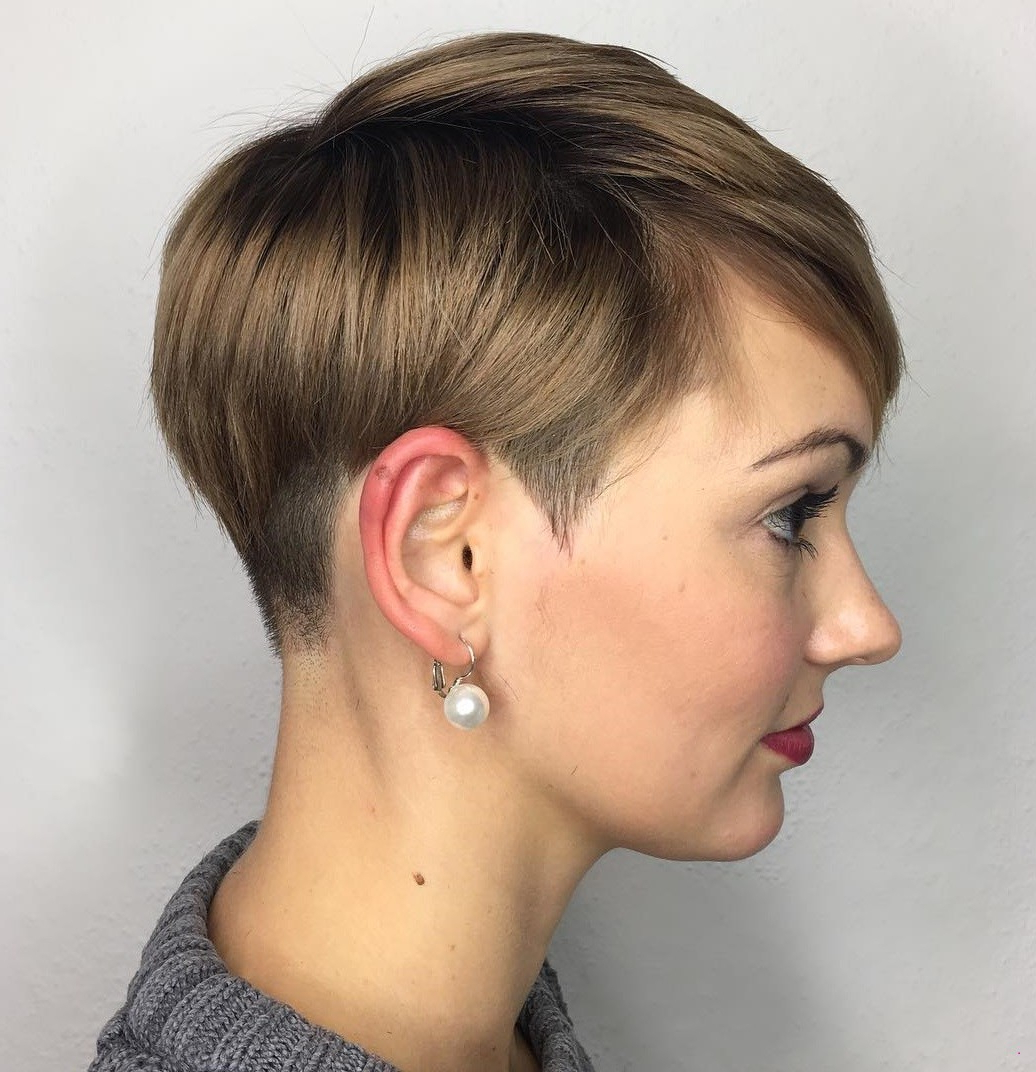 Women's Haircut Around The Ears Sophisticated | Makeup Haircut In Short Hairstyles Cut Around The Ears (View 25 of 25)