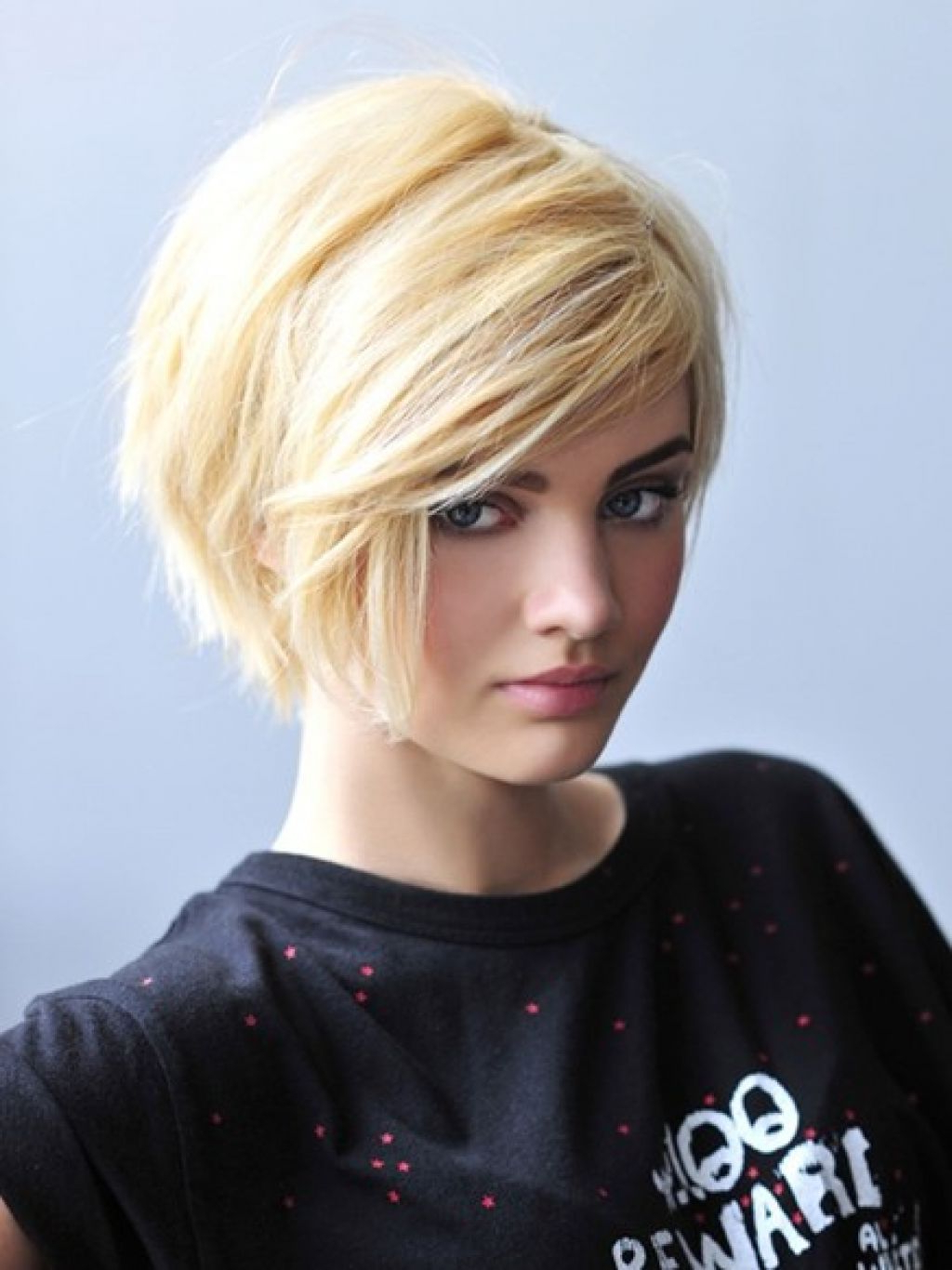 Womens Short Hairstyles For Thick Hair – Women Hairstyle Trendy In Ladies Short Hairstyles For Thick Hair (View 7 of 25)