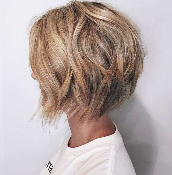 10 Ultra Mod Short Bob Haircuts 2019 Intended For Short Ruffled Hairstyles With Blonde Highlights (View 14 of 25)