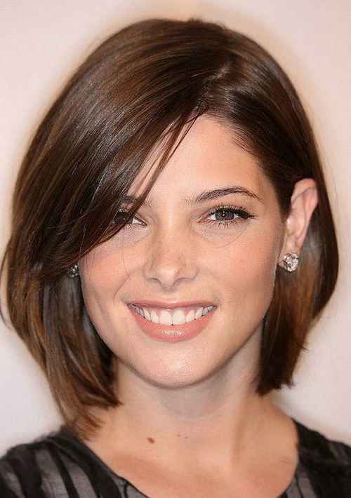 100 Smartest Short Hairstyles For Women With Thick Hair Pertaining To Short Layered Hairstyles For Thick Hair (View 9 of 25)