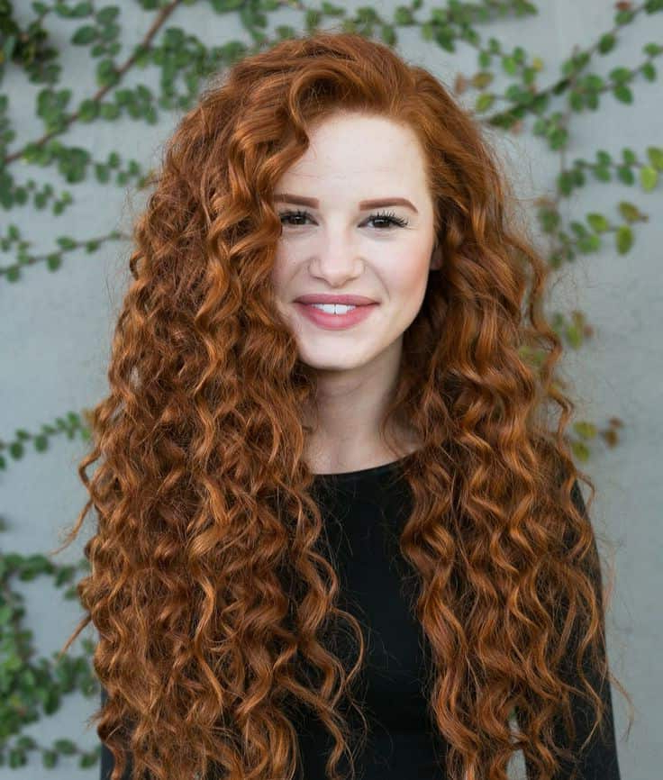 12 Eye Catching Auburn Curly Hair Ideas To Copy Throughout Soft Auburn Look Hairstyles (View 17 of 25)