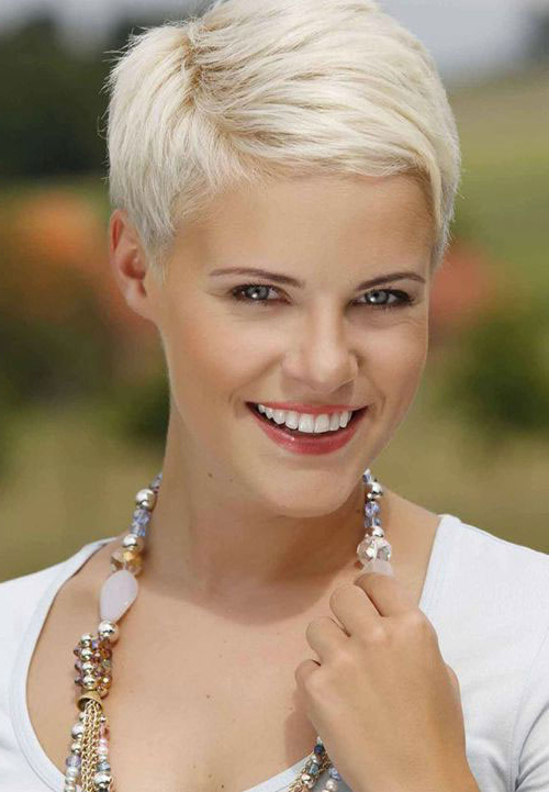 16 Gray Short Hairstyles And Haircuts For Women 2017 – Hairstyles Regarding Pure Blonde Shorter Hairstyles For Older Women (View 10 of 25)