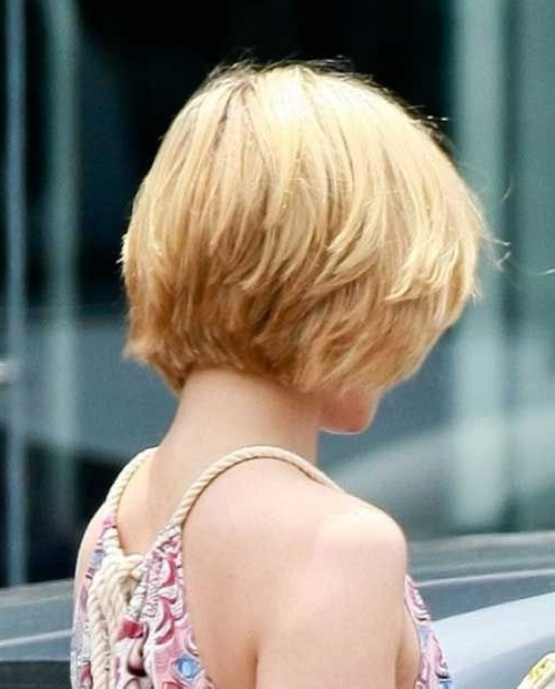 20 Layered Hairstyles For Short Hair – Popular Haircuts With Regard To Feathered Back Swept Crop Hairstyles (View 9 of 25)