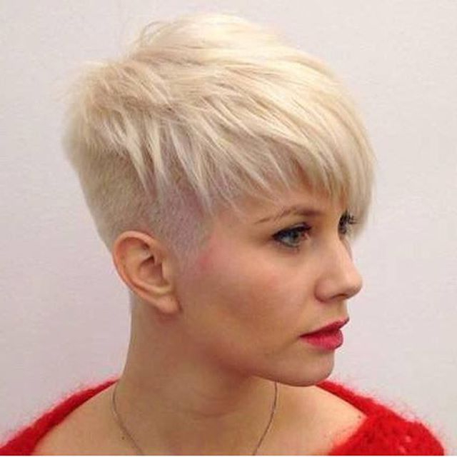 21 Lovely Pixie Cuts With Bangs – Popular Haircuts Within Choppy Blonde Pixie Hairstyles With Long Side Bangs (View 5 of 25)