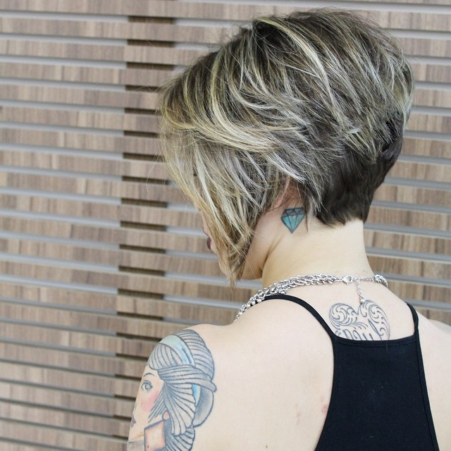 22 Best Layered Bob Hairstyles For 2019 You Should Not Miss Throughout Short Wavy Inverted Bob Hairstyles (View 14 of 25)