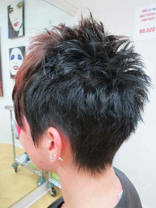Featured Photo of Spiky Gray Pixie Haircuts