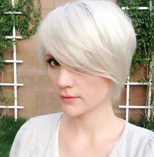 32 Best Short Hairstyles For 2019 – Pretty Designs Pertaining To Choppy Blonde Pixie Hairstyles With Long Side Bangs (View 10 of 25)