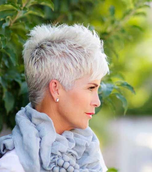 32 Flattering Short Haircuts For Older Women In 2018 Throughout Pure Blonde Shorter Hairstyles For Older Women (View 16 of 25)